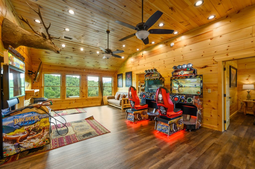 Photo of a Gatlinburg Cabin named Bear Splash Adventure - This is the fifth photo in the set.