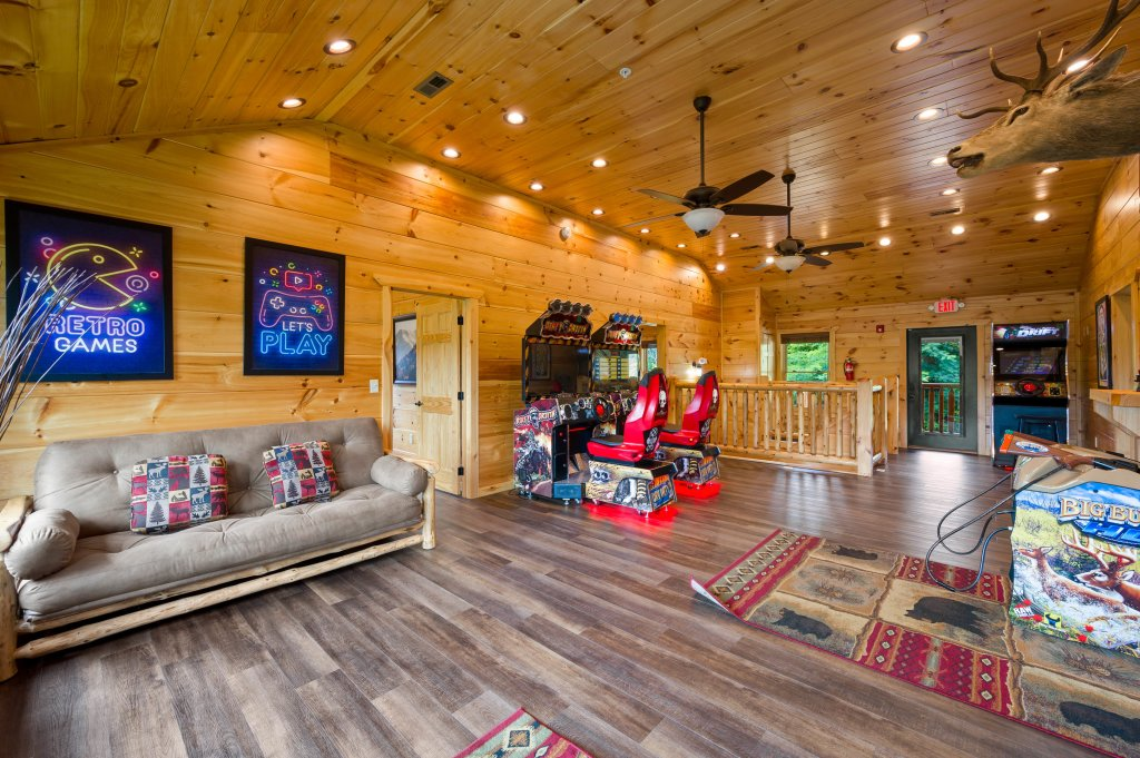 Photo of a Gatlinburg Cabin named Bear Splash Adventure - This is the sixth photo in the set.