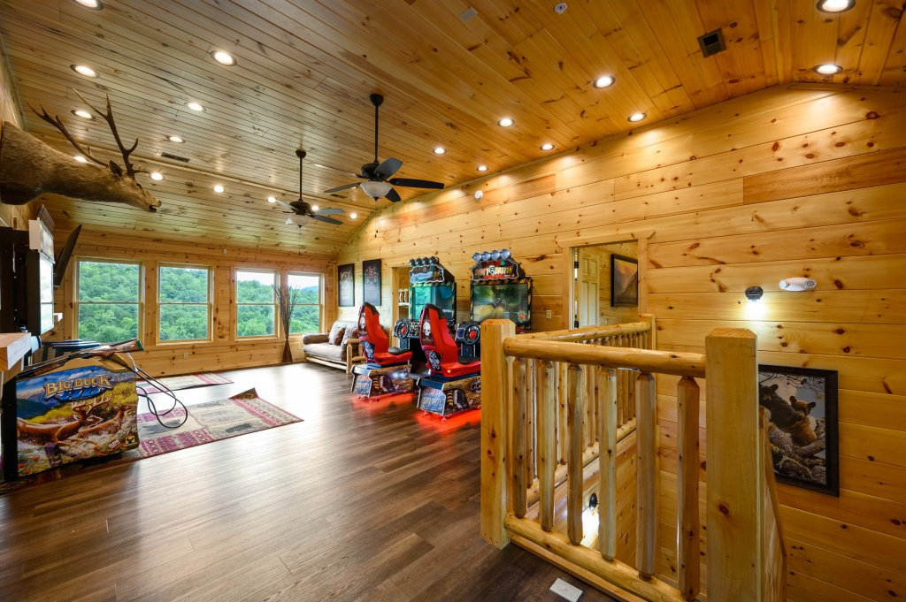 Photo of a Gatlinburg Cabin named Bear Splash Adventure - This is the sixty-seventh photo in the set.