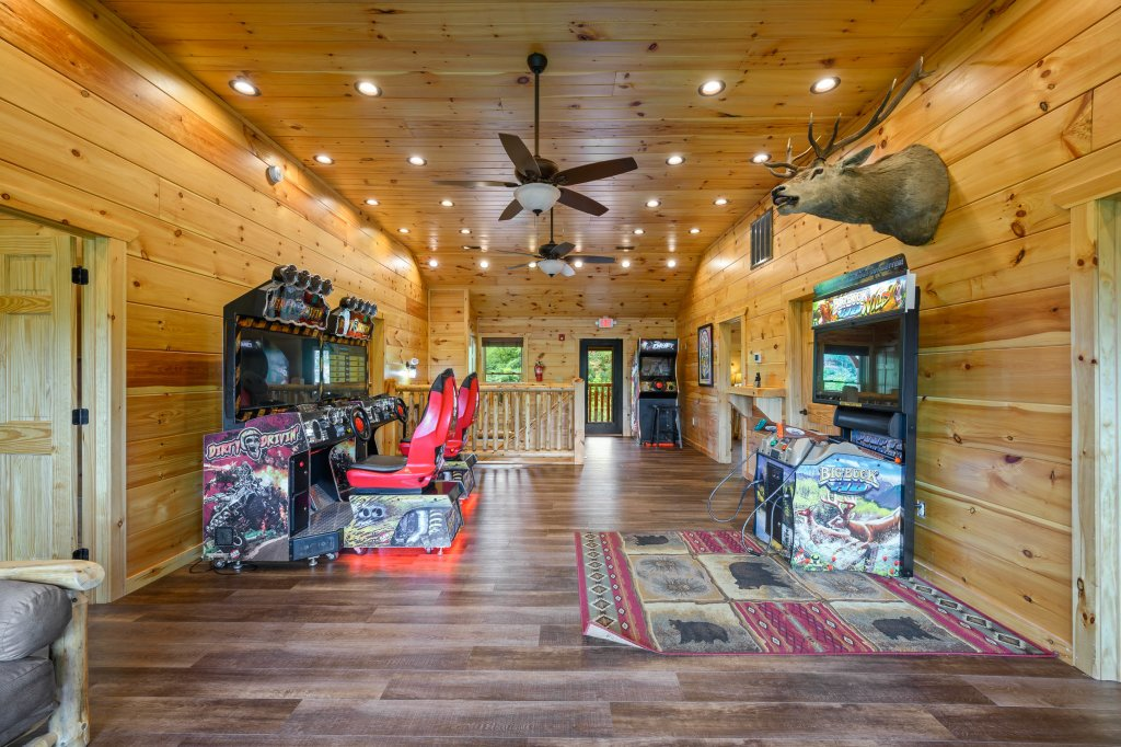 Photo of a Gatlinburg Cabin named Bear Splash Adventure - This is the eighty-second photo in the set.