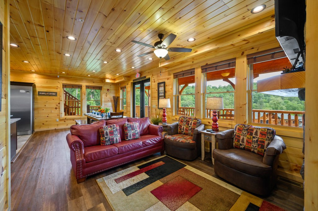 Photo of a Gatlinburg Cabin named Bear Splash Adventure - This is the fifty-third photo in the set.