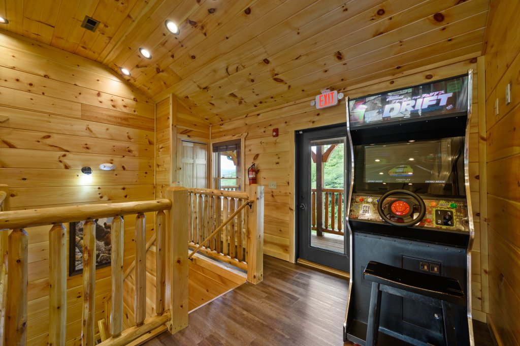 Photo of a Gatlinburg Cabin named Bear Splash Adventure - This is the sixty-sixth photo in the set.