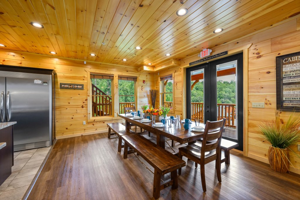 Photo of a Gatlinburg Cabin named Bear Splash Adventure - This is the ninety-second photo in the set.