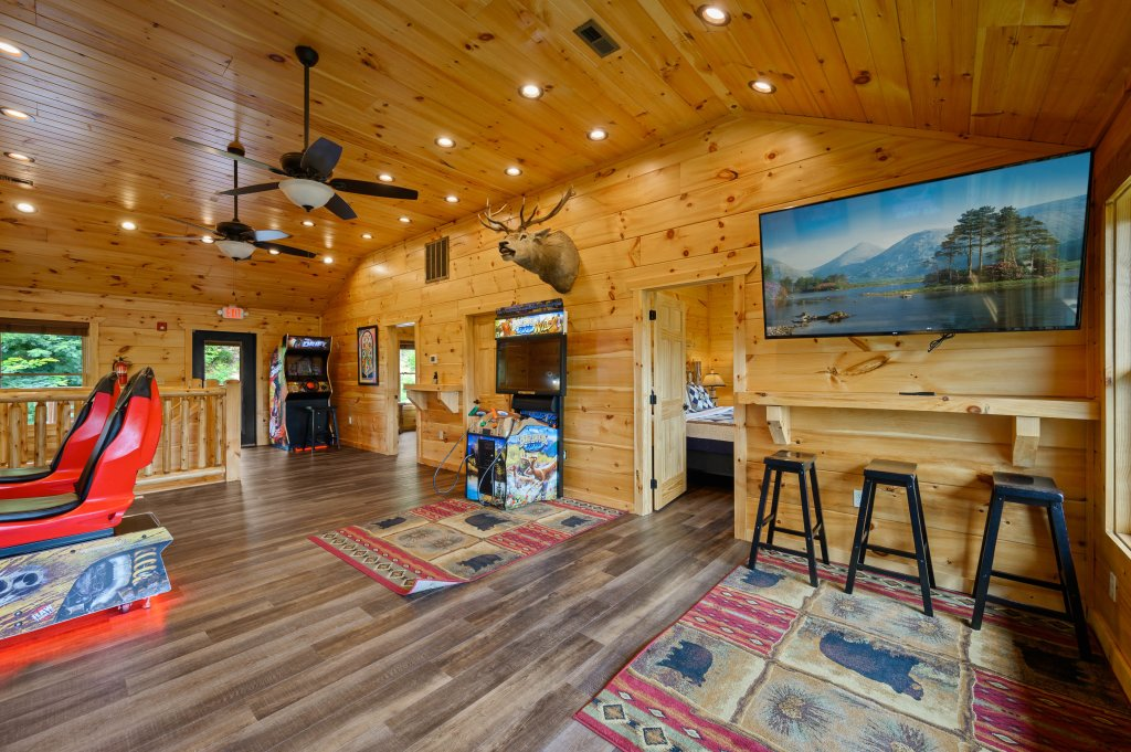 Photo of a Gatlinburg Cabin named Bear Splash Adventure - This is the eighty-first photo in the set.