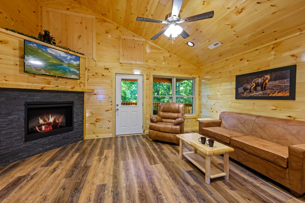 Photo of a Pigeon Forge Cabin named Mountain Music - This is the fifth photo in the set.