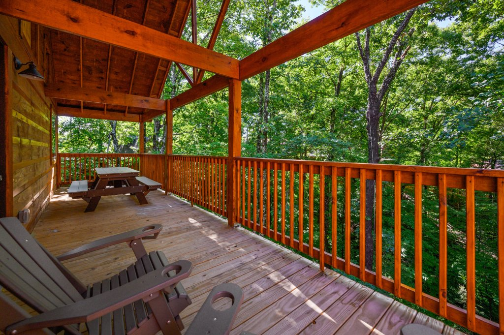 Photo of a Pigeon Forge Cabin named Mountain Music - This is the thirty-seventh photo in the set.