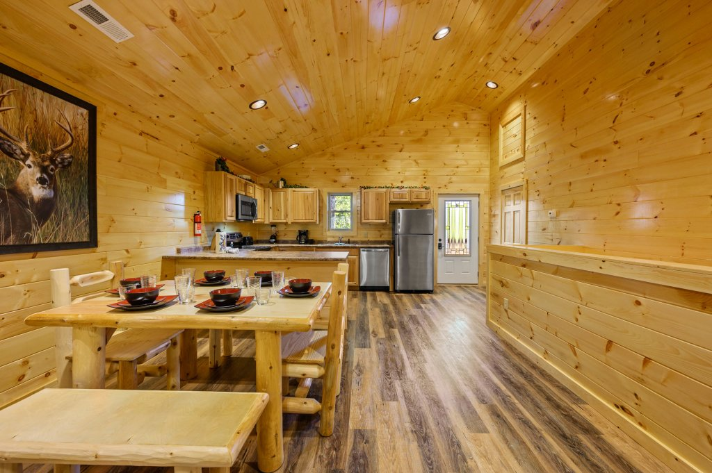 Photo of a Pigeon Forge Cabin named Mountain Music - This is the fifty-fifth photo in the set.