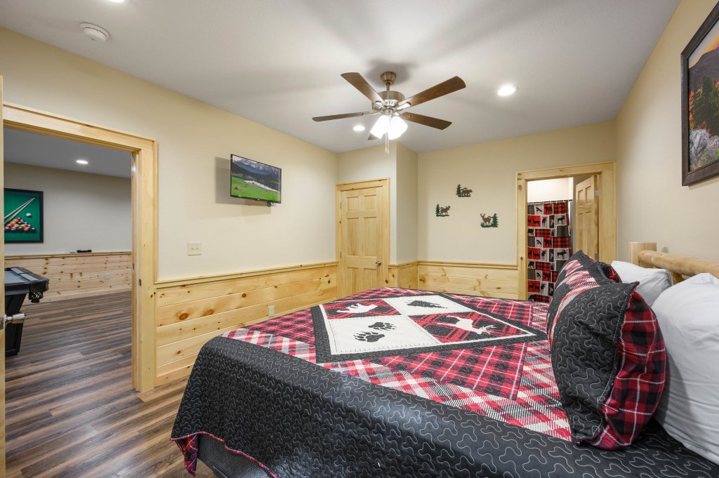 Photo of a Pigeon Forge Cabin named Mountain Music - This is the thirty-first photo in the set.