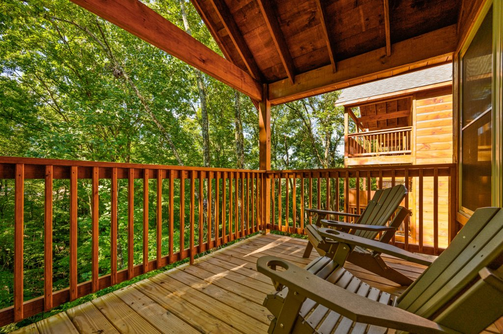Photo of a Pigeon Forge Cabin named Mountain Music - This is the sixty-second photo in the set.