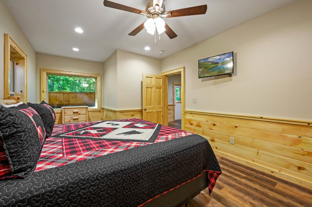 Photo of a Pigeon Forge Cabin named Mountain Music - This is the sixtieth photo in the set.