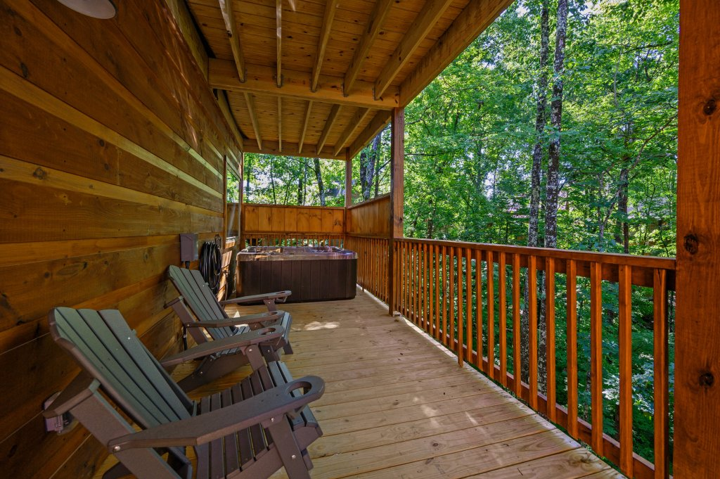 Photo of a Pigeon Forge Cabin named Mountain Music - This is the thirty-fifth photo in the set.