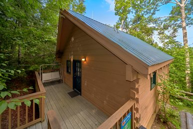1 Br Cabin Near Downtown Gatlinburg, National Park, Arts & Crafts Village