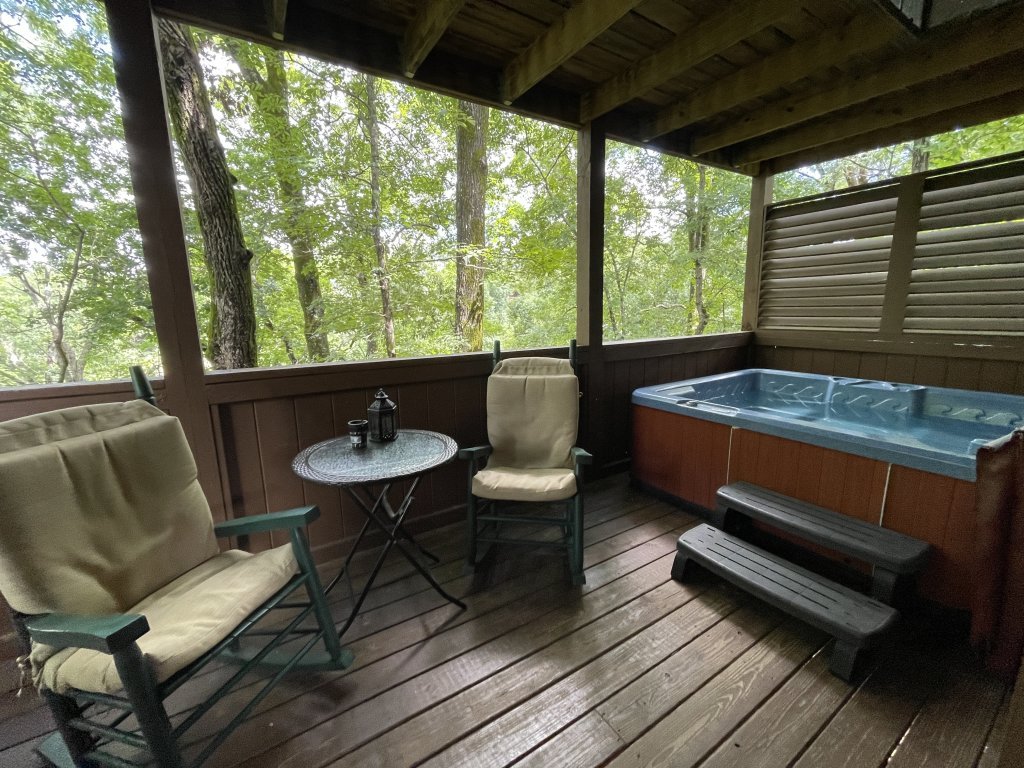 Photo of a Pigeon Forge Cabin named Southern Comfort - This is the second photo in the set.