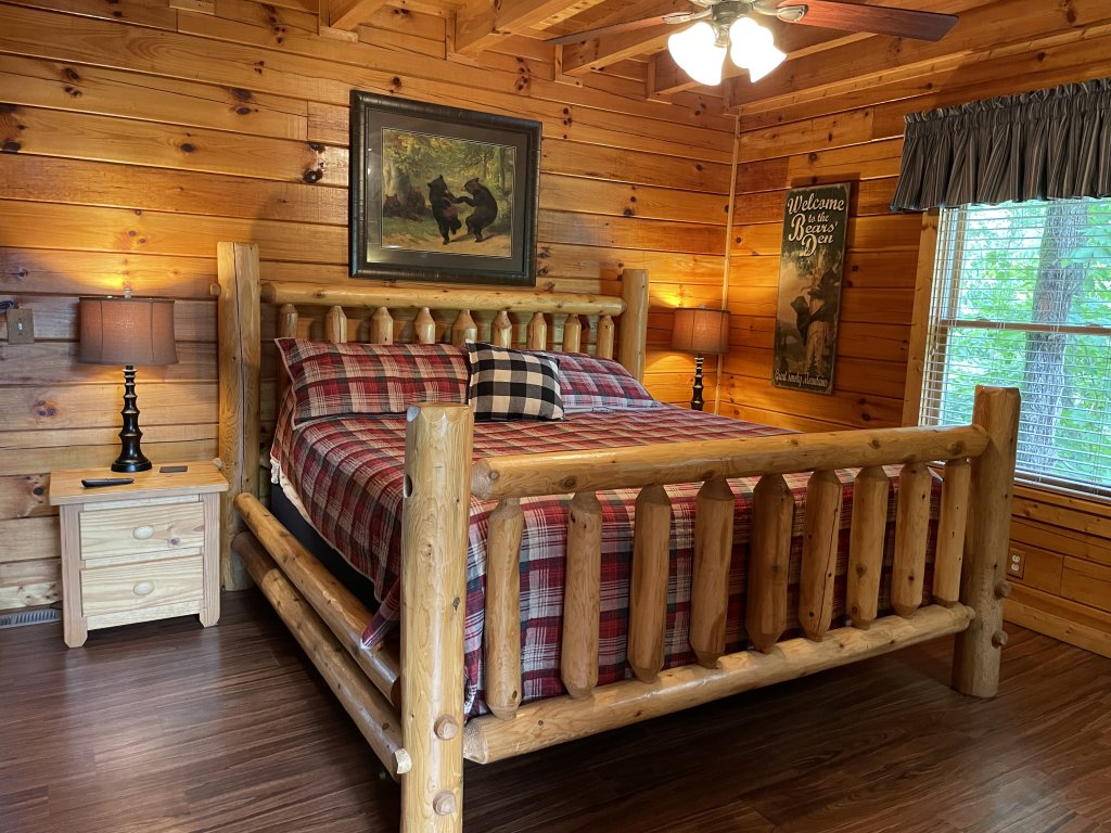 Photo of a Pigeon Forge Cabin named Southern Comfort - This is the sixth photo in the set.