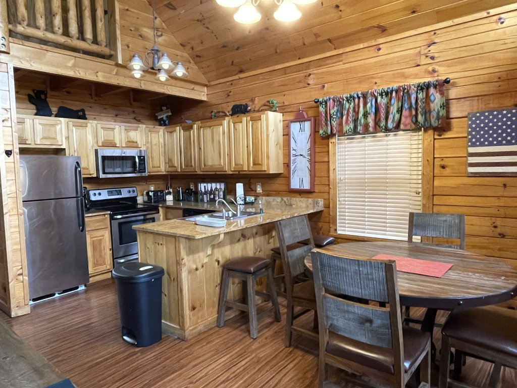Photo of a Pigeon Forge Cabin named Southern Comfort - This is the third photo in the set.