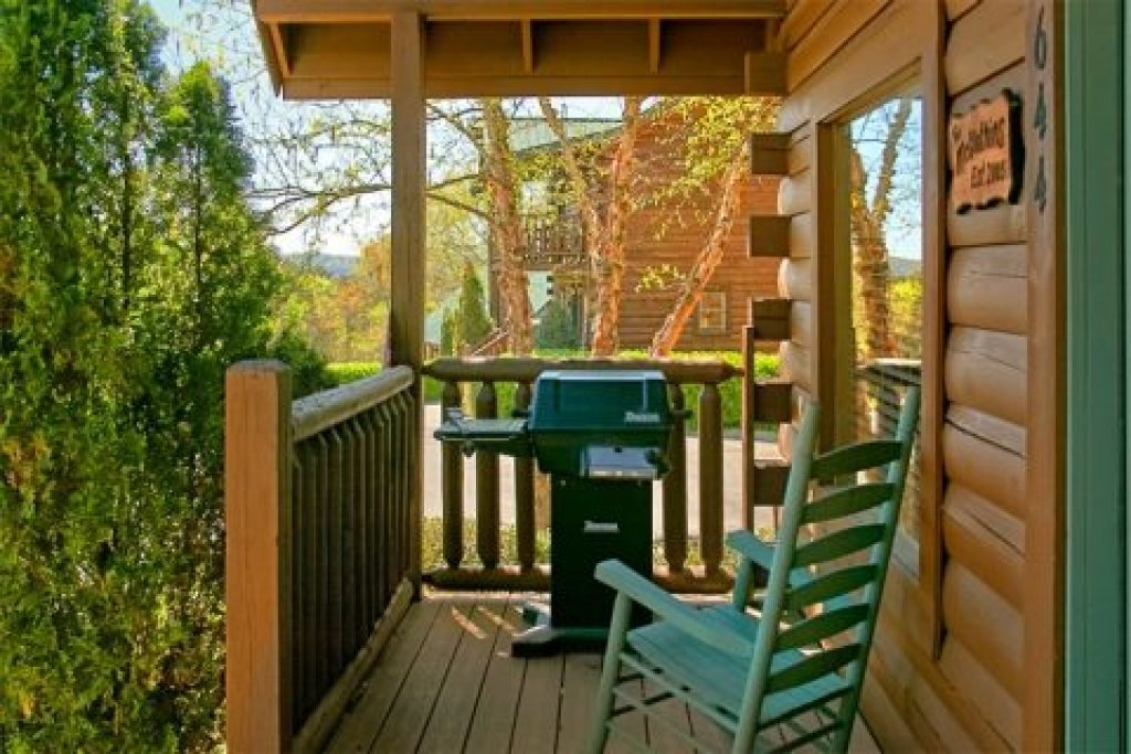 Photo of a Pigeon Forge Cabin named Southern Comfort - This is the thirty-first photo in the set.