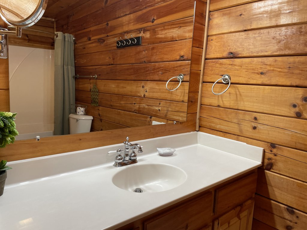 Photo of a Pigeon Forge Cabin named Southern Comfort - This is the twentieth photo in the set.