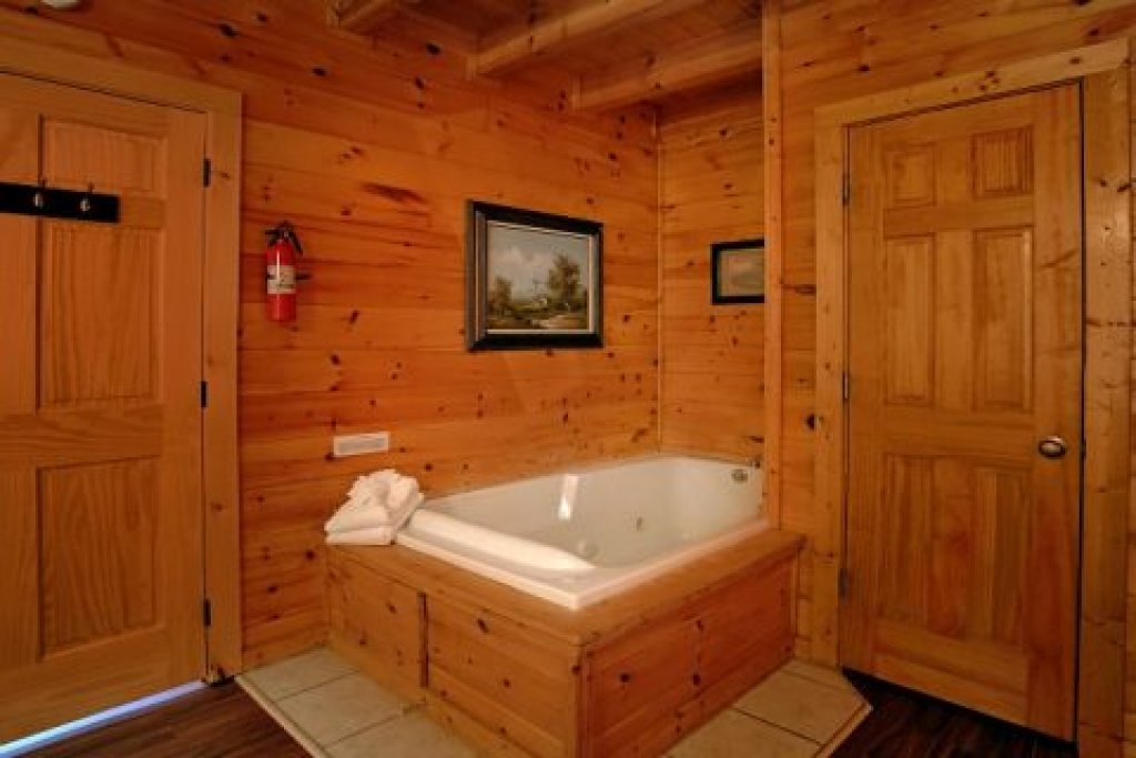 Photo of a Pigeon Forge Cabin named Southern Comfort - This is the thirtieth photo in the set.