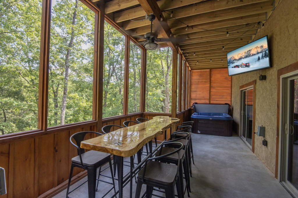 Photo of a Sevierville Cabin named  Eagle Falls - This is the thirty-third photo in the set.