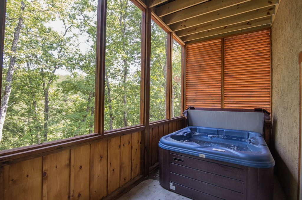 Photo of a Sevierville Cabin named  Eagle Falls - This is the thirty-first photo in the set.
