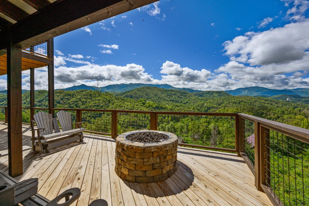 Photo of a Gatlinburg Cabin named Love On The Horizon - This is the sixth photo in the set.