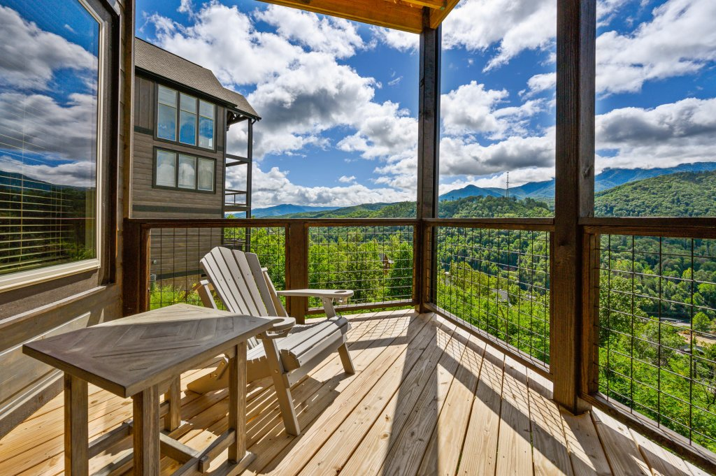 Photo of a Gatlinburg Cabin named Love On The Horizon - This is the fifty-second photo in the set.