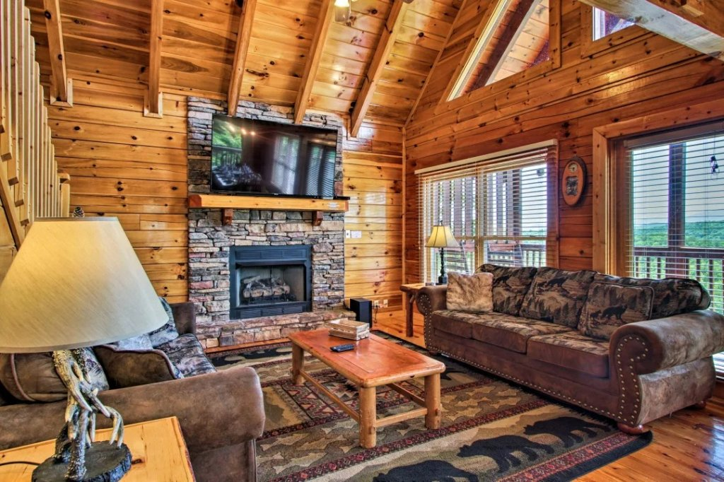 Photo of a Pigeon Forge Cabin named Raccoon Ridge - This is the fifth photo in the set.