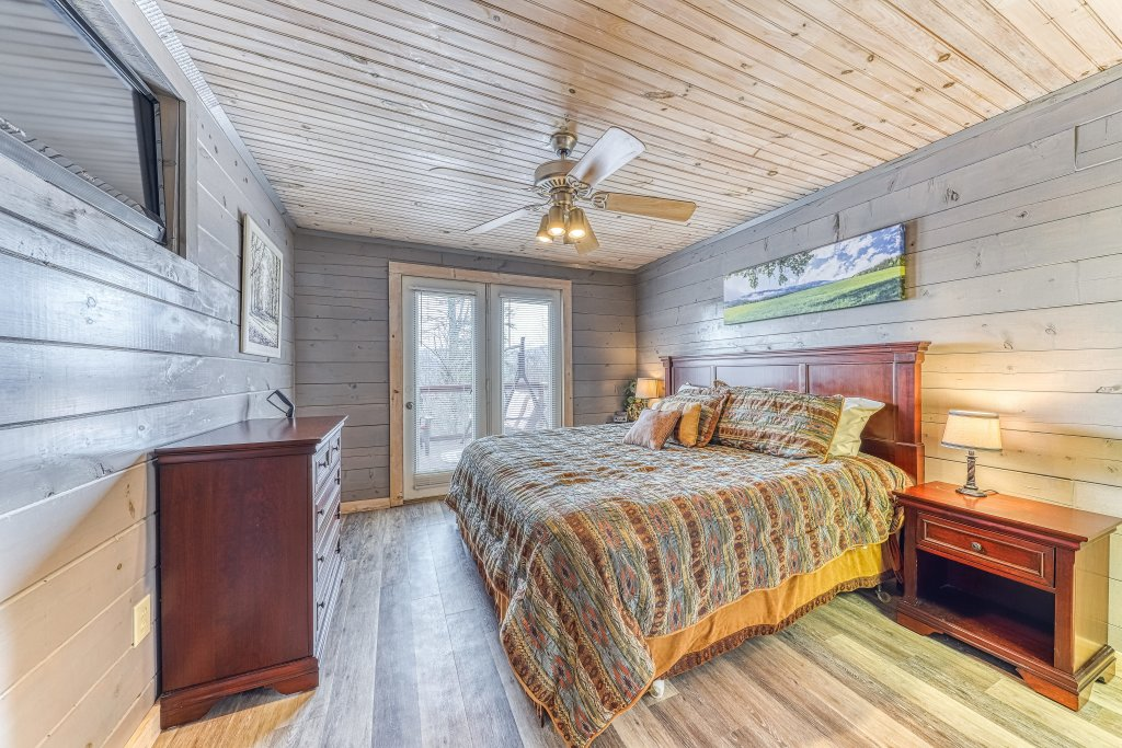 Photo of a Sevierville Cabin named Sunset Rendezview #332 - This is the ninth photo in the set.