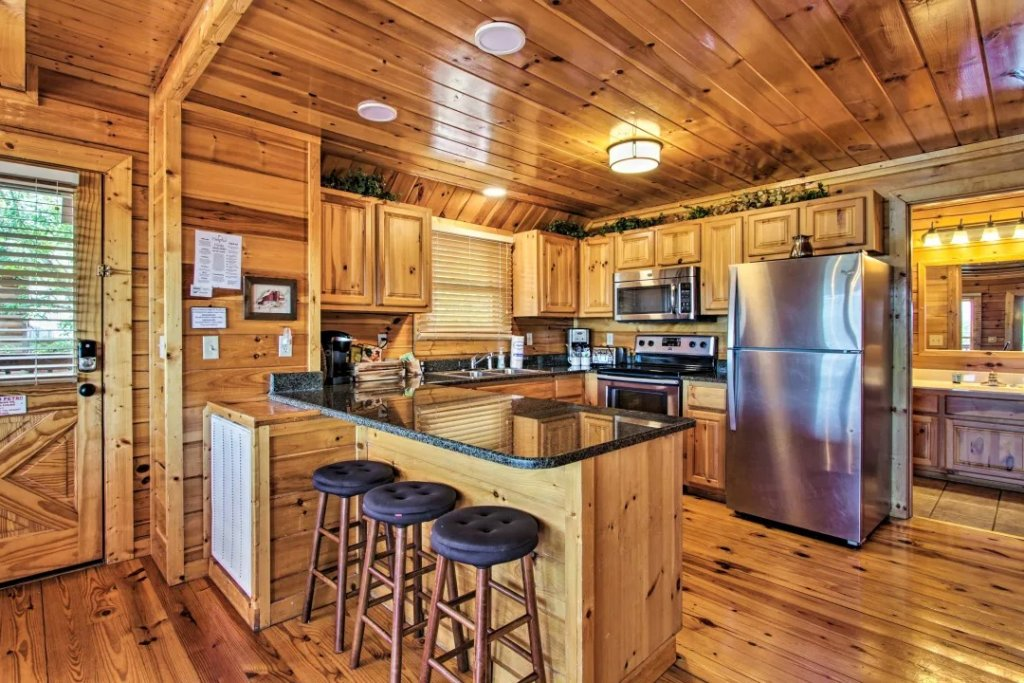 Photo of a Pigeon Forge Cabin named Raccoon Ridge - This is the seventh photo in the set.