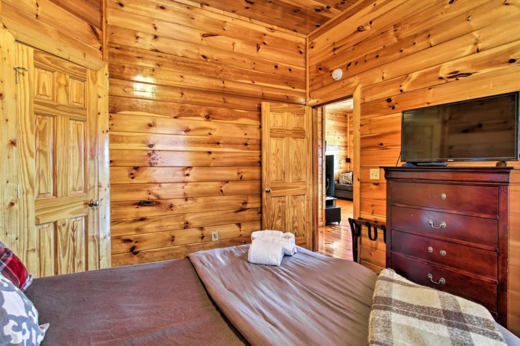 Photo of a Pigeon Forge Cabin named Raccoon Ridge - This is the twenty-first photo in the set.