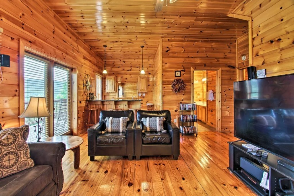 Photo of a Pigeon Forge Cabin named Raccoon Ridge - This is the tenth photo in the set.
