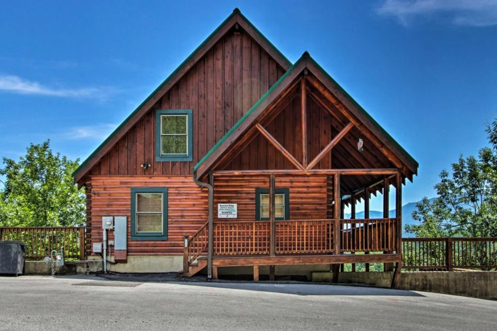 Photo of a Pigeon Forge Cabin named Raccoon Ridge - This is the twenty-ninth photo in the set.