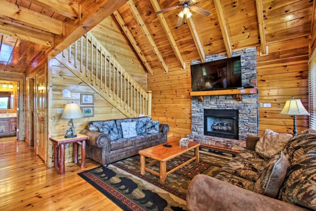 Photo of a Pigeon Forge Cabin named Raccoon Ridge - This is the fifty-second photo in the set.