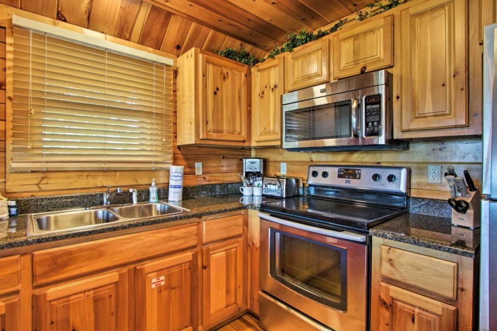 Photo of a Pigeon Forge Cabin named Raccoon Ridge - This is the fifty-fifth photo in the set.