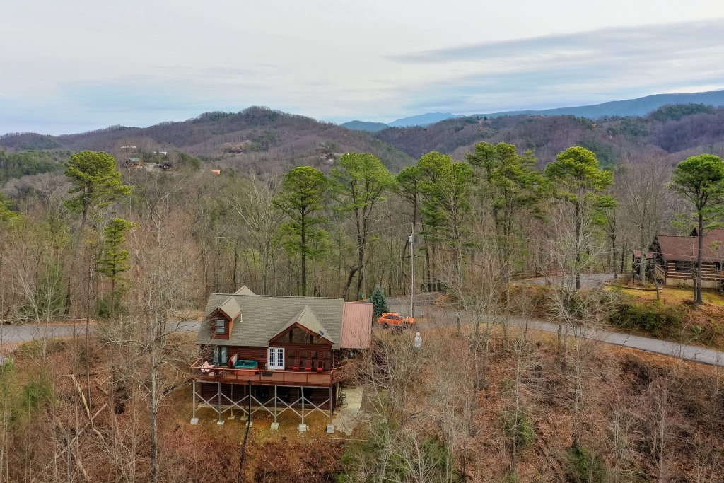 Photo of a Sevierville Cabin named Sunset Rendezview #332 - This is the thirty-ninth photo in the set.