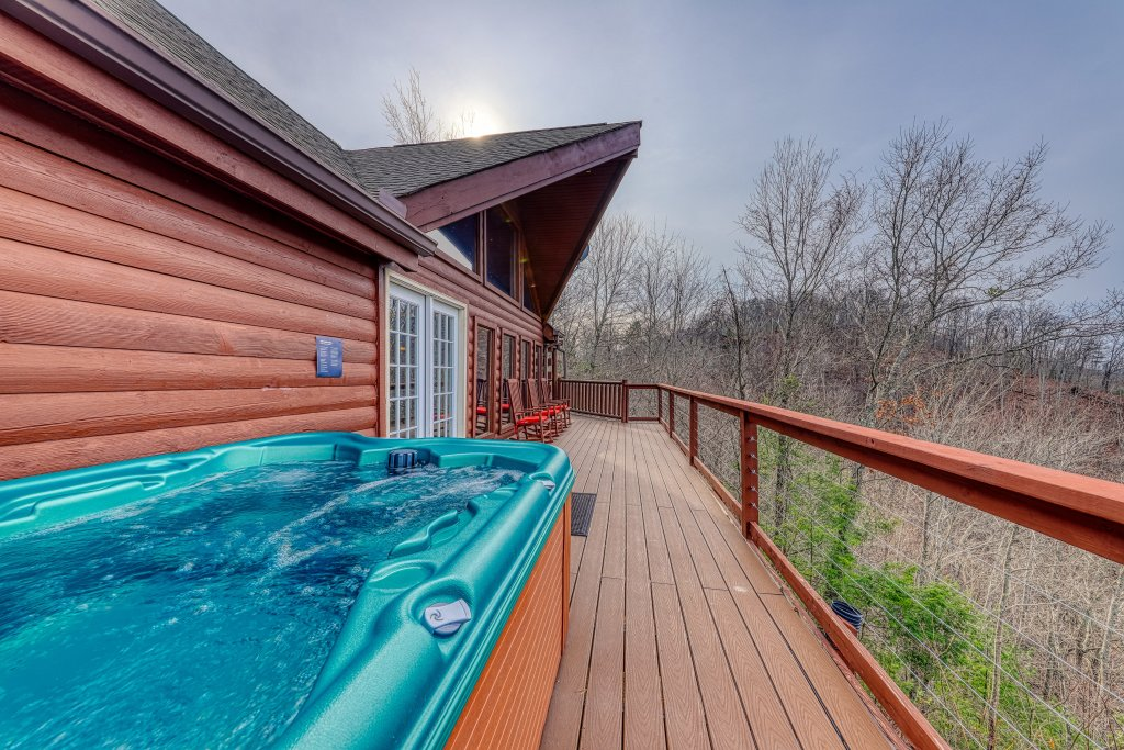 Photo of a Sevierville Cabin named Sunset Rendezview #332 - This is the thirty-seventh photo in the set.