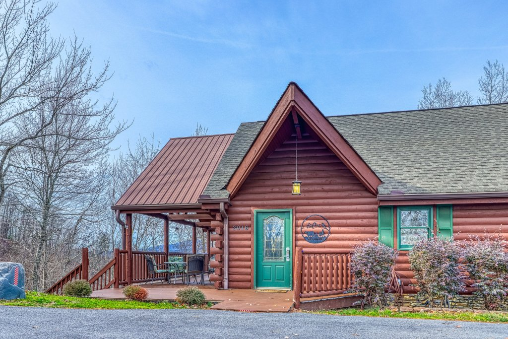 Photo of a Sevierville Cabin named Sunset Rendezview #332 - This is the forty-first photo in the set.