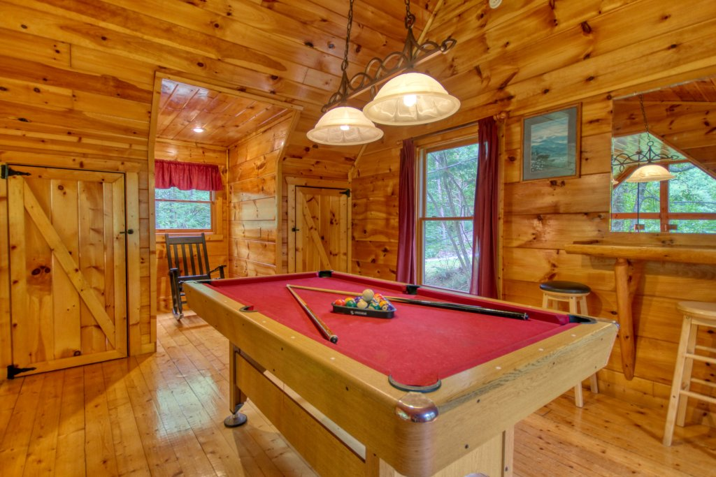 Photo of a Gatlinburg Cabin named Lover's Lake #105 - This is the third photo in the set.