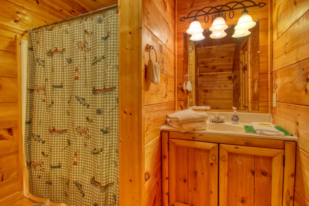 Photo of a Gatlinburg Cabin named Lover's Lake #105 - This is the twenty-sixth photo in the set.
