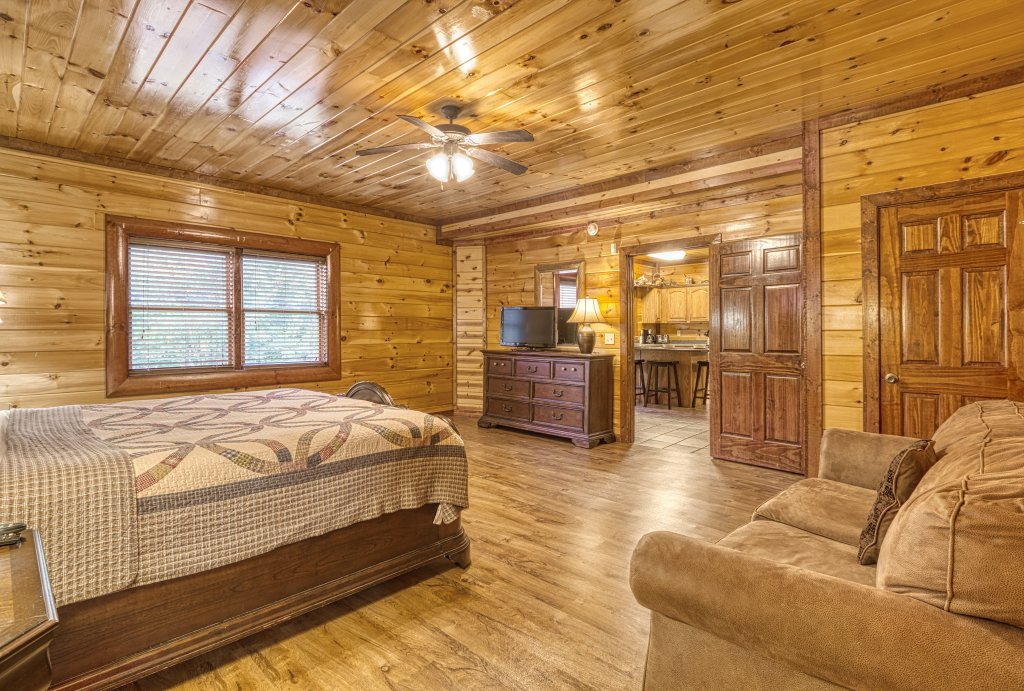 Photo of a Gatlinburg Cabin named A New Beginning #522 - This is the thirty-fourth photo in the set.