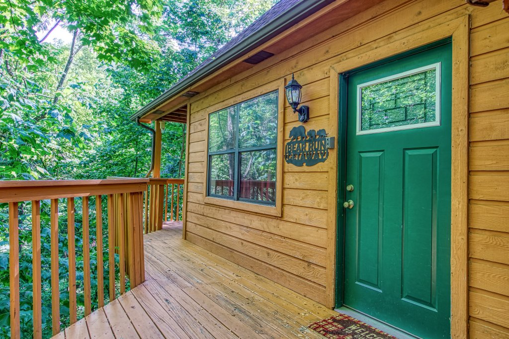 Photo of a Gatlinburg Cabin named Bear Run Getaway #1136 - This is the forty-ninth photo in the set.