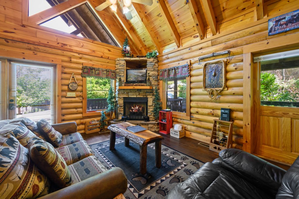 Photo of a Pigeon Forge Cabin named Wilderness Theater And Lodge - This is the fifth photo in the set.