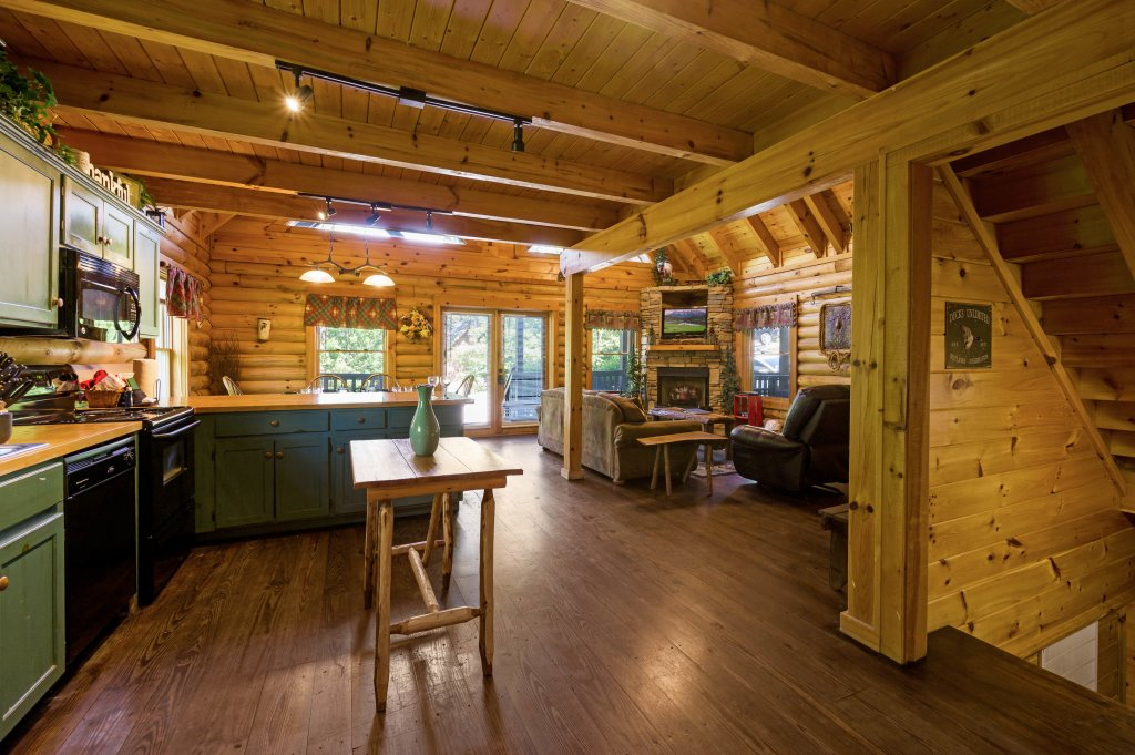 Photo of a Pigeon Forge Cabin named Wilderness Theater And Lodge - This is the twelfth photo in the set.