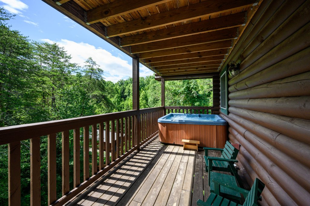 Photo of a Pigeon Forge Cabin named Wilderness Theater And Lodge - This is the seventy-second photo in the set.