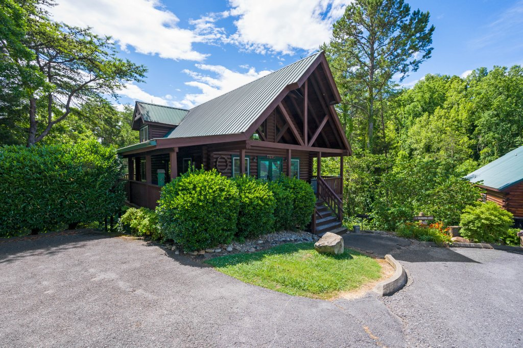 Photo of a Pigeon Forge Cabin named Wilderness Theater And Lodge - This is the seventy-fourth photo in the set.
