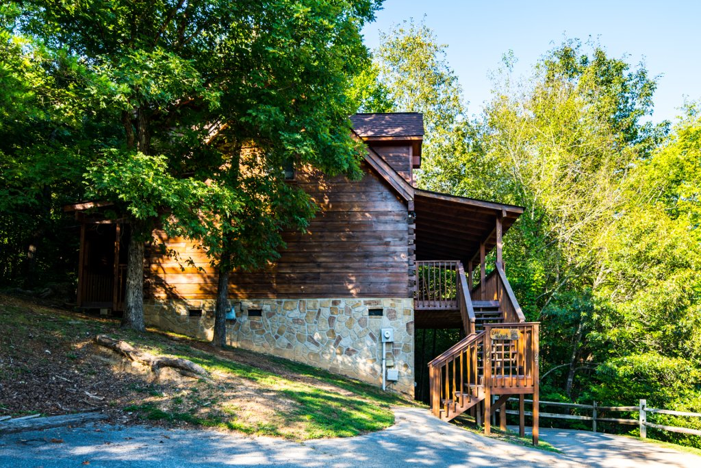 Photo of a Pigeon Forge Cabin named  Bear Naked - This is the second photo in the set.