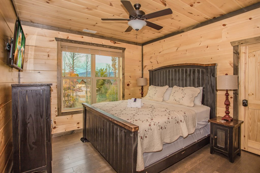 Photo of a Gatlinburg Cabin named Bears Gathering - This is the twenty-second photo in the set.