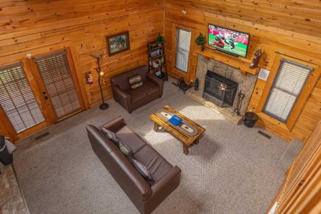 Photo of a Sevierville Cabin named Eagle's Nest - This is the tenth photo in the set.