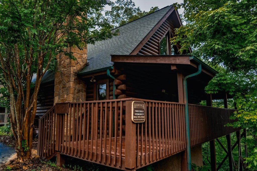 Photo of a Sevierville Cabin named Precious Memories - This is the first photo in the set.