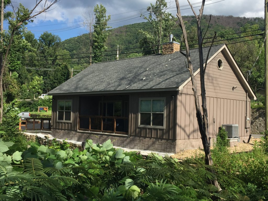 Photo of a Gatlinburg Cabin named Roaring Fork Retreat - This is the second photo in the set.